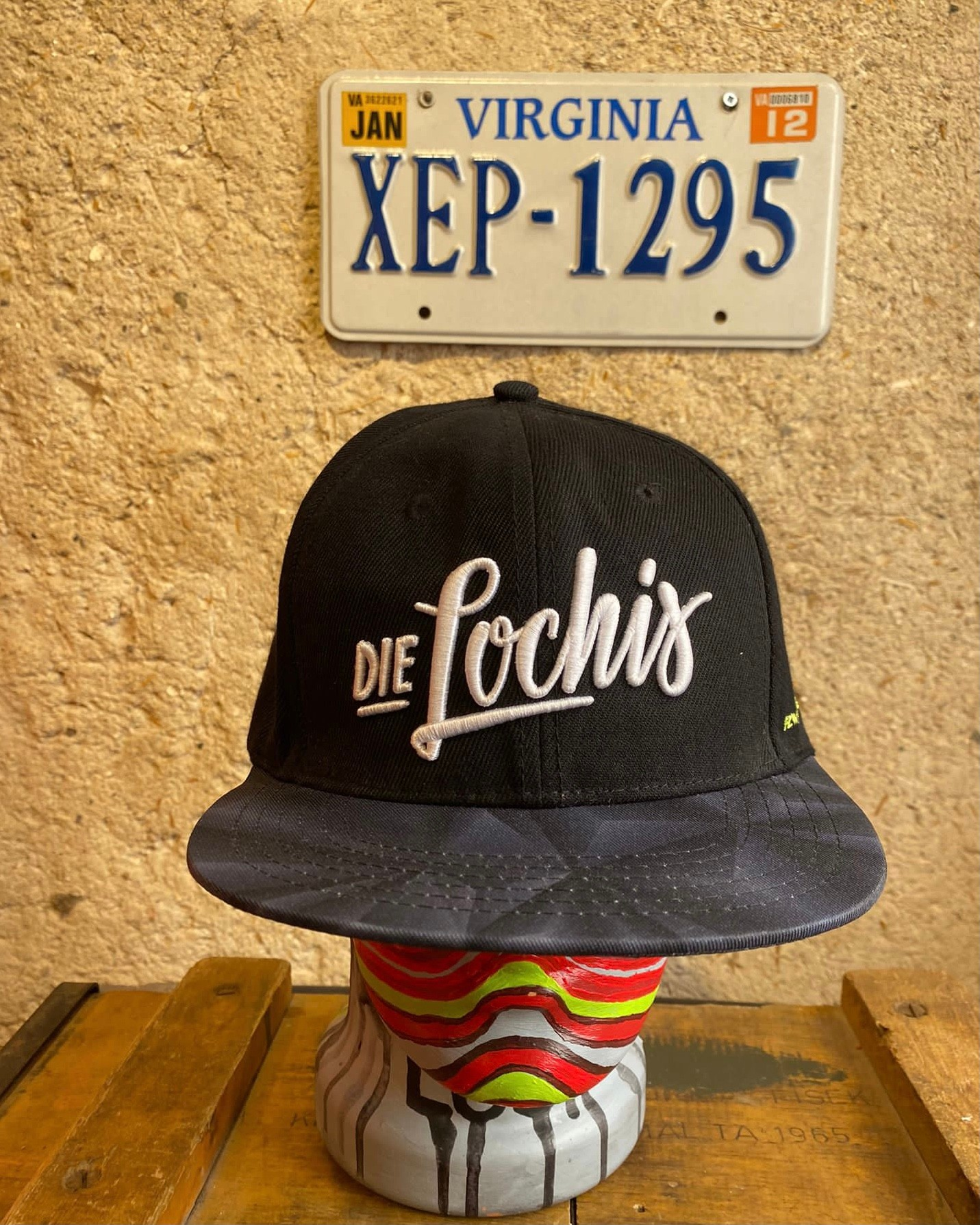 Die Lochis Cap