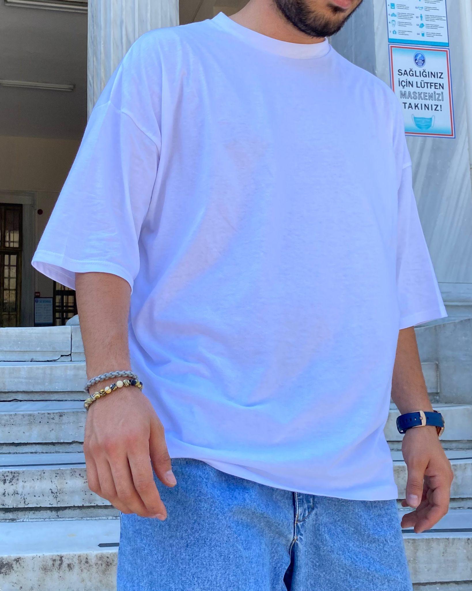 A. Design Oversize White T Shirt (SAS6)