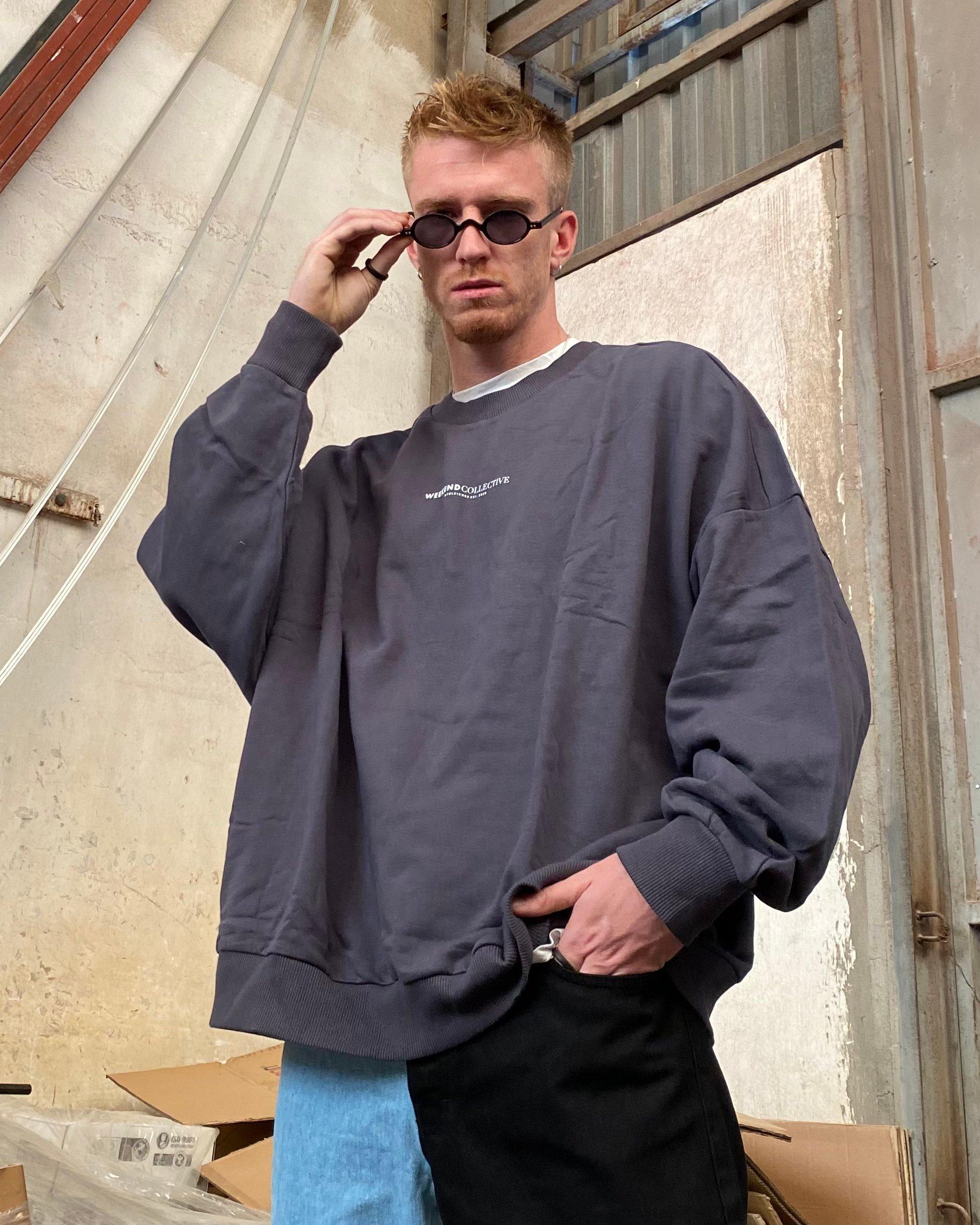 Weekend Collective Grey Sweatshirt (SAS70)